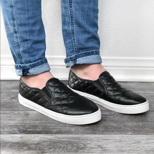 SONIA🖤 black quilted slip on sneakers white